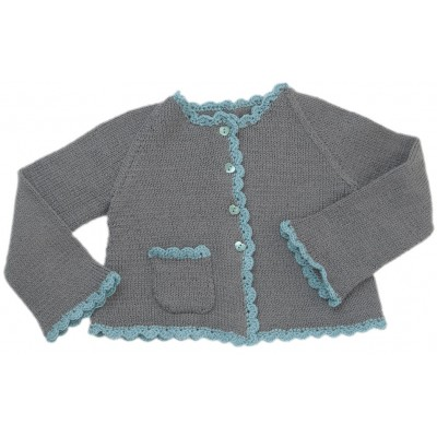 Cardigan with scalloped edges
